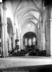 Eglise Sainte-Marthe - Nef, vue de l'entrée