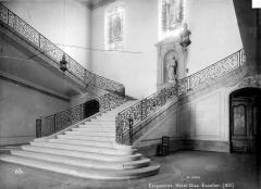 Hôtel-Dieu - Escalier