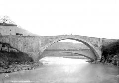 Vieux pont sur le Drac (également sur commune de Claix) - Vue nord