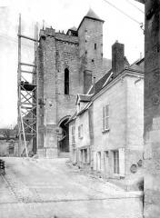 Eglise Saint-Aignan (ancienne collégiale) - Porche, clocher