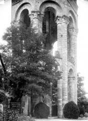 Ancienn abbaye Saint-Sauveur de Charroux - Tour de l'église