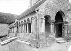 Eglise Saint-Sauveur - Porche