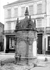 Fontaine du Pilori - Vue d'ensemble