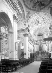 Eglise Saint-Michel - Vue intérieure de la nef vers le sud-est