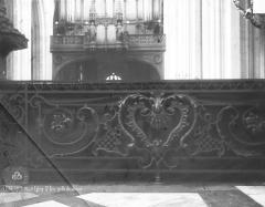 Eglise Saint-Eloi - Grille du choeur