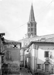 Eglise Notre-Dame de l'Assomption - Abside et nef, au sud