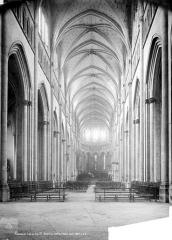 Eglise Saint-Maurice, anciennement cathédrale - Nef, choeur