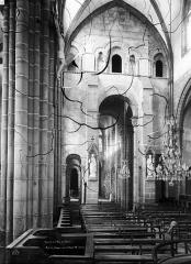 Eglise Saint-Victor-et-Sainte-Couronne - Choeur, nef
