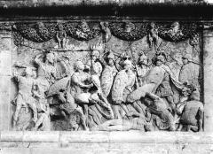 Mausolée dit Tombeau des Jules - Base, détail