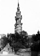 Eglise Notre-Dame de Croaz-Batz et enclos - Clocher sud