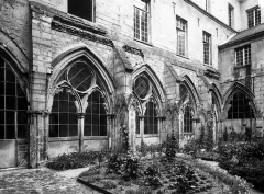 Ancienne abbaye Saint-Léger - Cloître, face nord