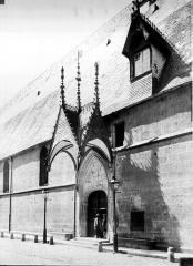 Hôtel-Dieu ou Hospices civils de Beaune - Porche d'entrée