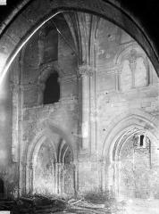 Eglise Saint-Médard - Travée de la nef