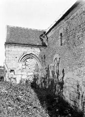 Ancienne église de Noël-Saint-Martin - Transept et nef, au nord
