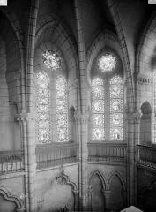 Eglise - Voûtes, fenêtres, intérieur, au nord