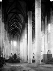 Ancien couvent des Jacobins - Intérieur : nef, vue de l'entrée