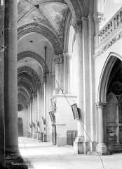 Eglise Saint-Maurice, anciennement cathédrale - Vue intérieure du bas-côté nord