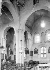 Eglise Saint-Martin - Intérieur : transept et nef