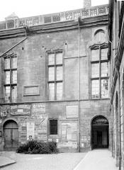 Palais des Ducs et des Etats de Bourgogne - Fenêtre au nord