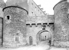 Portes de la ville - Vers Darcey, exterieur