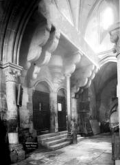 Eglise - Tribune