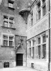 Hôtel Cujas, ou Salvi - Entrée sur la première cour