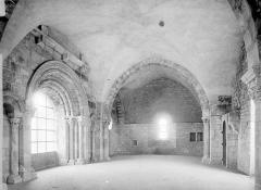 Abbaye de Charlieu - Eglise, salle du premier étage