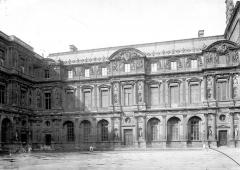 Palais du Louvre et jardin des Tuileries - Galerie Henri II, grande cour