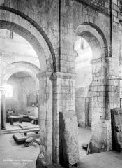 Baptistère Saint-Jean - Près du grand escalier