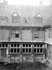 Hôtel de Mauroy - Bâtiment nord, cour