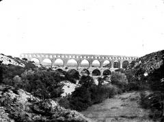 Pont du Gard et aqueduc romain de Nîmes - Vue d'ensemble