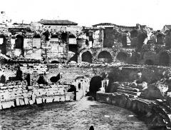 Amphithéatre ou Arènes - Vue intérieure (partie centrale du panorama)
