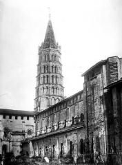 Eglise Saint-Sernin - Façade nord et clocher
