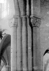 Eglise Saint-Sauveur (ancienne basilique) - Chapiteaux du choeur