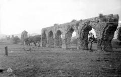 Aqueduc antique (restes de l') - Vestiges des arches