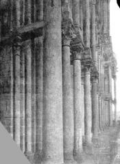 Eglise Notre-Dame (ancienne collégiale) - Façade ouest : Galerie en perspective