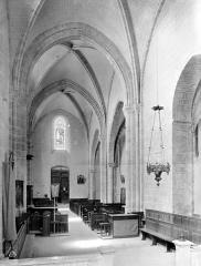 Eglise Notre-Dame-de-l'Assomption - Vue intérieure de la nef vers l'entrée