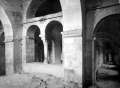 Eglise Saint-Victor-et-Sainte-Couronne - Vue intérieure des tribunes