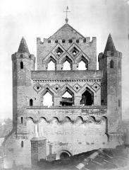 Eglise Notre-Dame-du-Taur - Façade ouest : partie supérieure