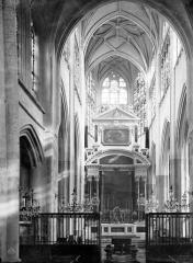Eglise Saint-Jean - Vue intérieure du choeur