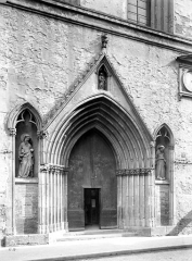 Eglise Notre-Dame-du-Taur - Portail de la façade ouest