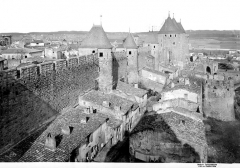 Cité de Carcassonnne - Remparts de la tour de Davéja à la tour du Trésau, vue prise de la tour du Papegay