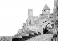 Cité de Carcassonne - Porte de l'Aude et tour de l'Evêque