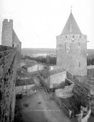 Cité de Carcassonne - Tour du Papegay, lices et tour de Balthazar, côté sud