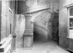 Hôtel Fontfreyde (musée du Ranquet) - Vue intérieure : Départ d'escalier