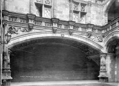 Hôtel Bernuy - Cour intérieure : Grande voûte du rez-de-chaussée