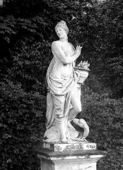 Domaine national de Versailles - Parc. Statue du Feu