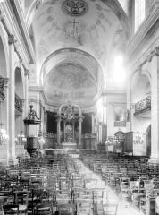 Eglise Notre-Dame ou de la Gloriette - Vue intérieure de la nef vers le choeur