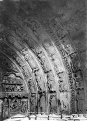Cathédrale Notre-Dame - Portail droit de la façade sud : voussures, côté droit