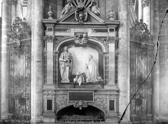 Cathédrale Notre-Dame - Tombeau du chanoine Guillain Lucas